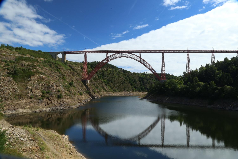 Le Viaduc de Garabit et son Reflet